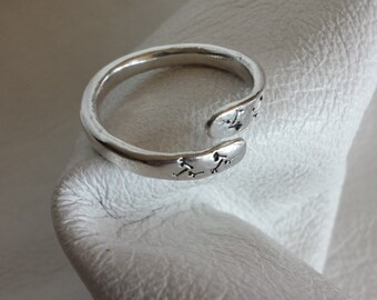 Silver Ring / Fine Silver Ring / Dandelion Fluff Stamp / Wrap Style Ring / Size 6 / 479