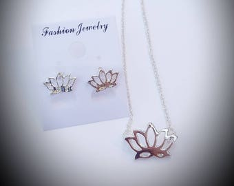 Lotus flower necklace and earrings set