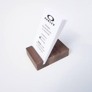 10 x porte carte en bois. Support bois carte de visite. Porte carte en bois. Cadeau personnalisé. Cadeau de Noël.