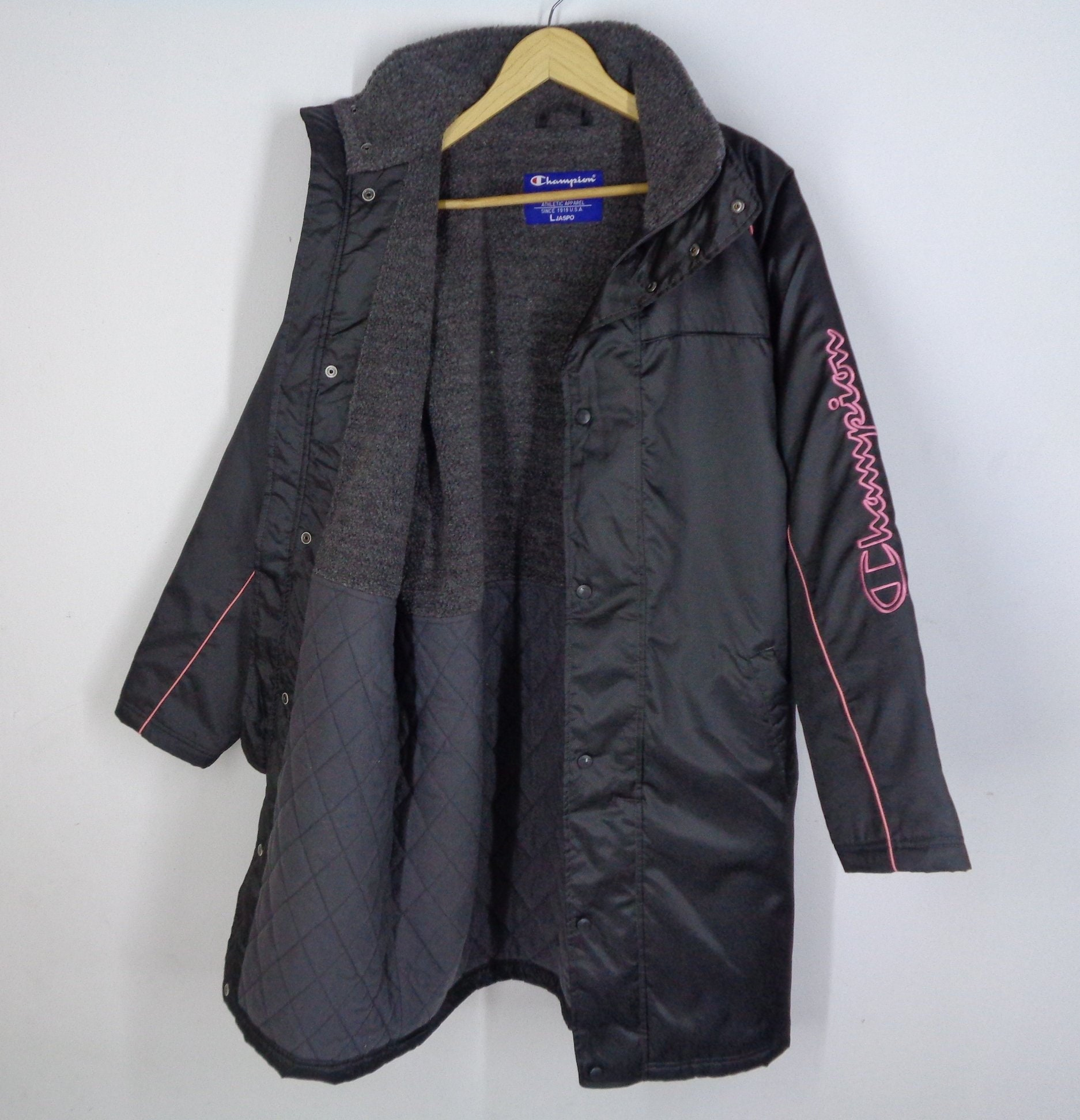 8cab66d7ec50 CHAMPION Parka Jacket Vintage 90 s CHAMPION Big Logo Spell