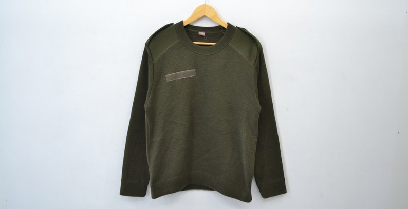 ba0cf2a913f Military Sweater Knit 90s German Army Olive Green Jumper Pullover Military  Stretchy Bundeswehr Sweater Jumper Men's Size M