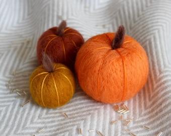 Halloween Party Table Decoration, Halloween Party Decor, Needle Felted Pumpkin Decor, Three Set Gourd Pumpkins, Table Setting Celebration