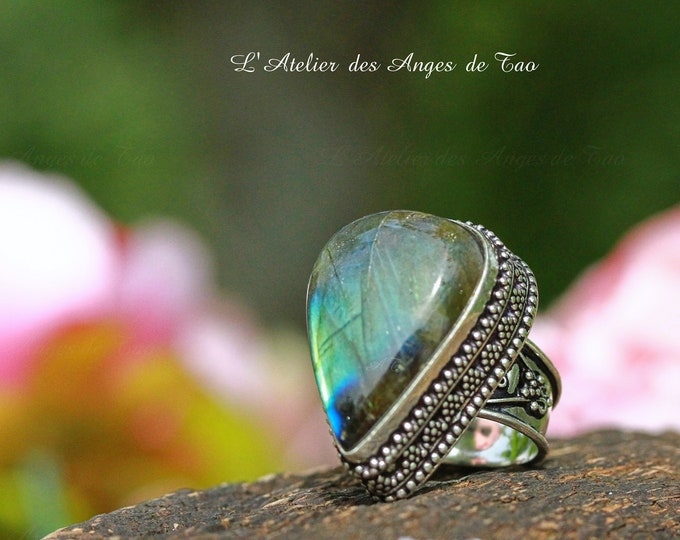 Somptueuse bague labradorite, pierre de protection par excellence