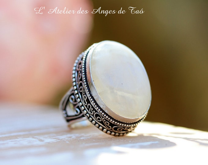 Ring Moonstone, silver 925, stone of intuition par excellence