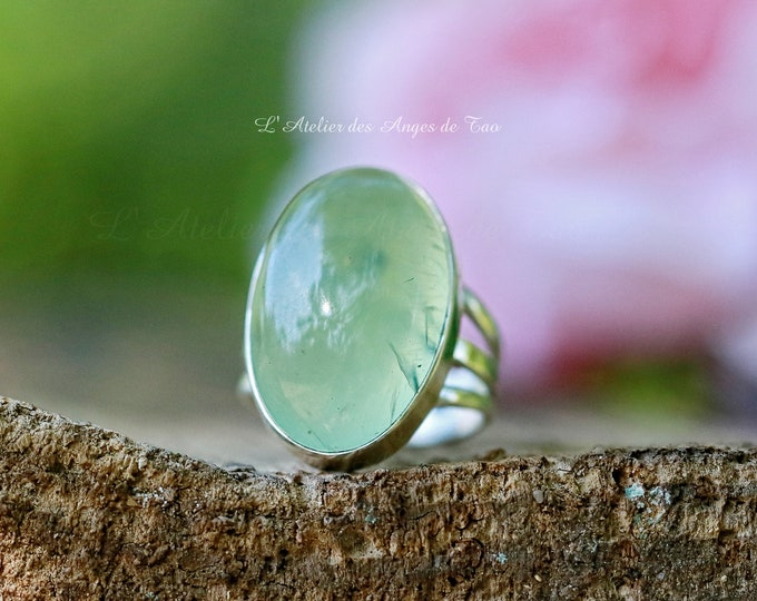 Prehnite silver ring oval shape size 51 or 5.75 US