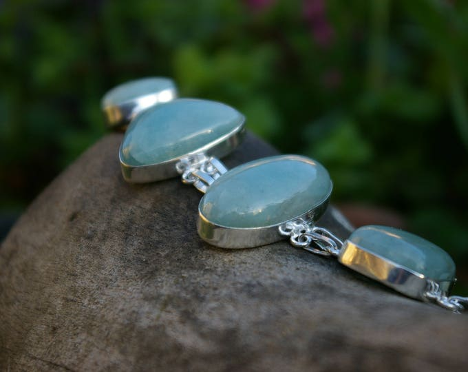 Bracelet Aventurine promotes free will, freedom of thought, well-being and self-confidence.