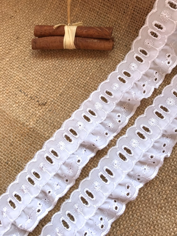 """Quality White Gathered Broderie Anglaise Lace Trim 1/""""//2.5cm The Place For Lace"""