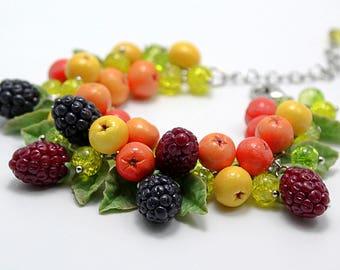 Forest fruits bracelet