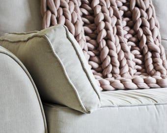 Chunky Knit Blanket Blush Pink, Chunky Knit Throw, Blush Merino Blanket, Giant Knit Blanket, Pink Throw, Housewarming Gift, Wool Throw