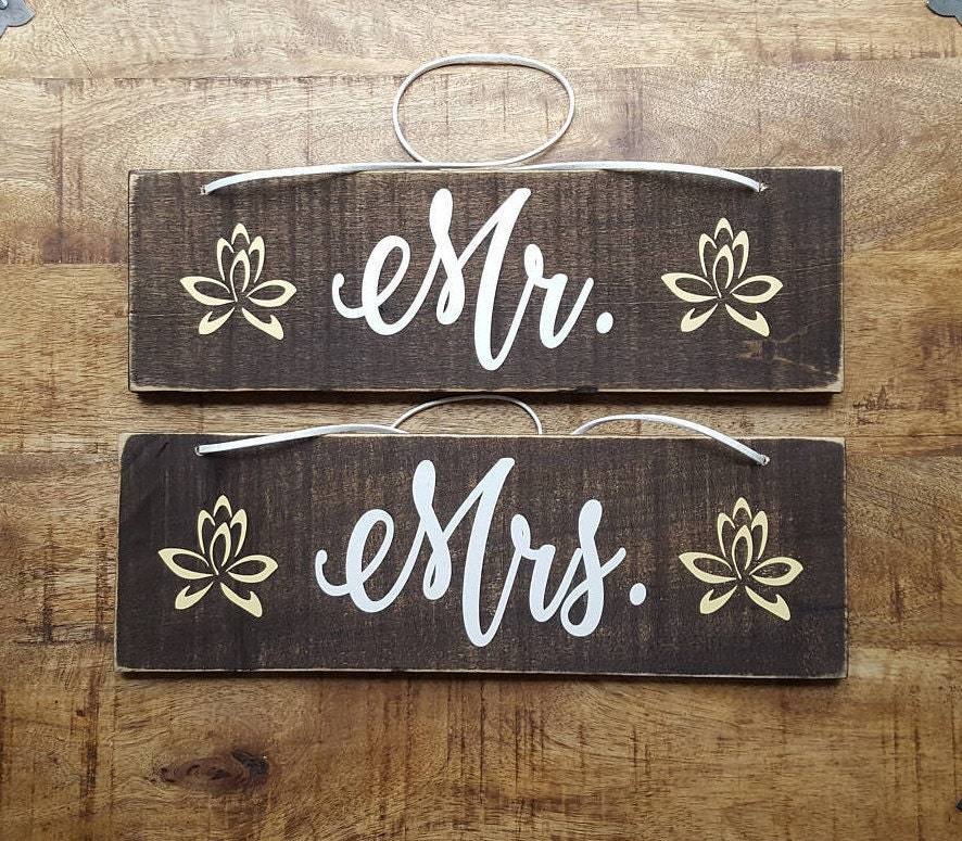 Mr and Mrs signs. Chair Signs. Wedding chair signs. Rustic Wedding ...