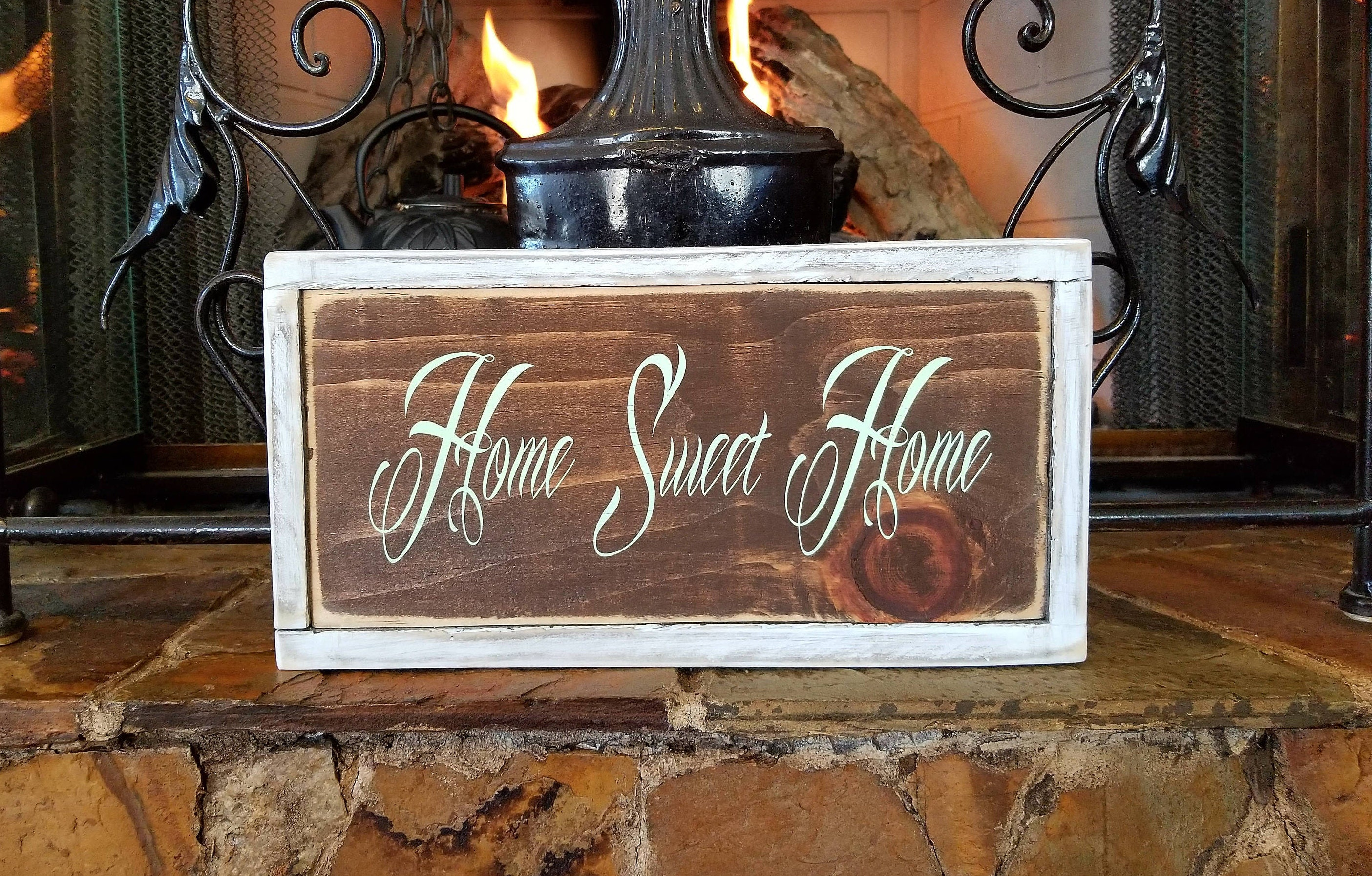 Home Sweet Home sign. Rustic wooden home sweet home sign ...