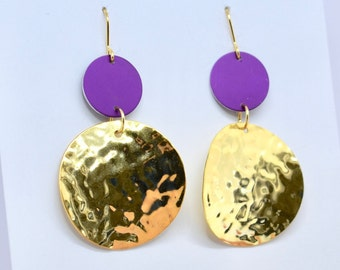 Purple and hammered gold disc earrings