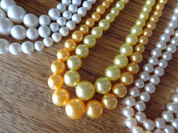 vintage faux pearl necklaces - image 6