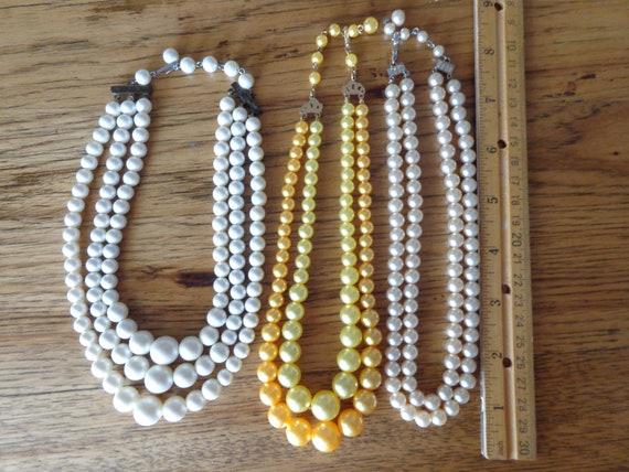 vintage faux pearl necklaces - image 7