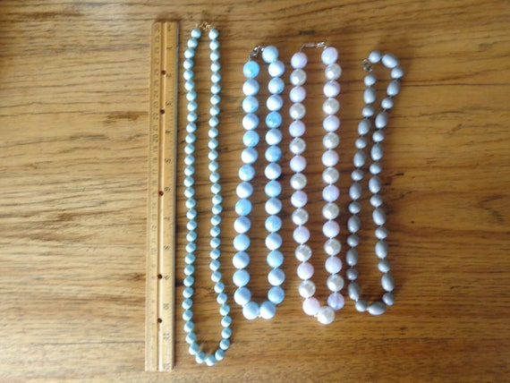 vintage faux pearl necklaces - image 3