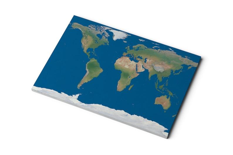 Carte Du Monde Realiste.Carte Du Monde En Toile Terre Realiste Avec Le Bleu Des Etsy
