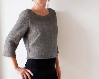 998a88dff9325 Pull court femme, crop top gris, original et tendance, laine lurex doré,  par Mesketa