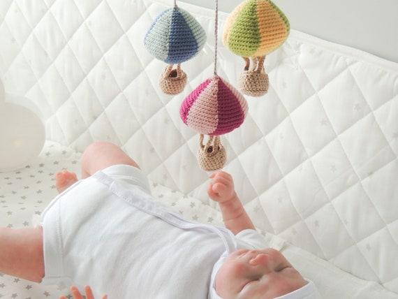 Mobile berceuse avec ballons et nuage, crochet tissé dans ...