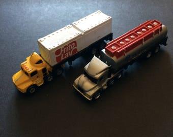 Micro Machine or Funrise vintage rare 2 lorry's