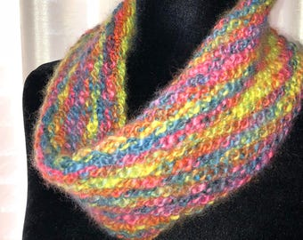 Rainbow Loop Knit Cowl by @modtinker