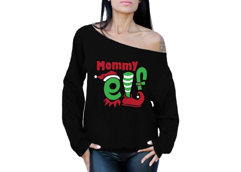 Mommy Elf Holiday Off Shoulder Sweatshirt Tacky Mommy Elf Christmas Off Shoulder Top for Women Xmas Mom Gifts Elf Off Shoulder Top for Her