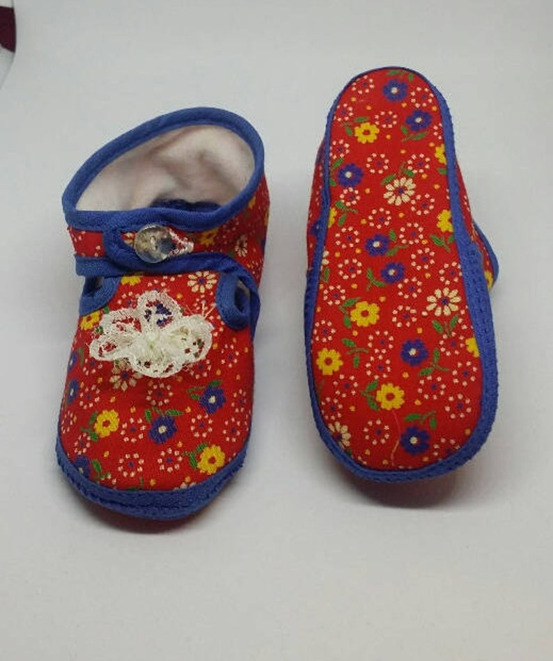 402 Baby Girls Pram Shoes with Vintage Rose print cute gift brand new