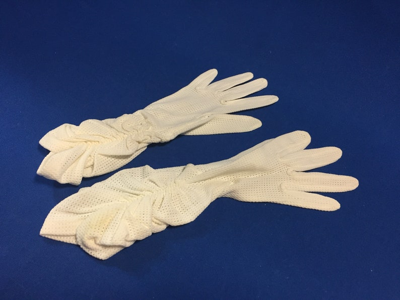 Vintage Hansen Helanca Nylon White Gloves Nylon Gloves Ladies Gloves Vintage White Gloves