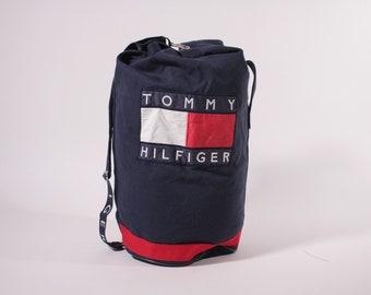 859b51256b Tommy Hilfiger medium duffel bag with large block logo