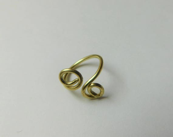 B. Swirly midi Ring- size 2