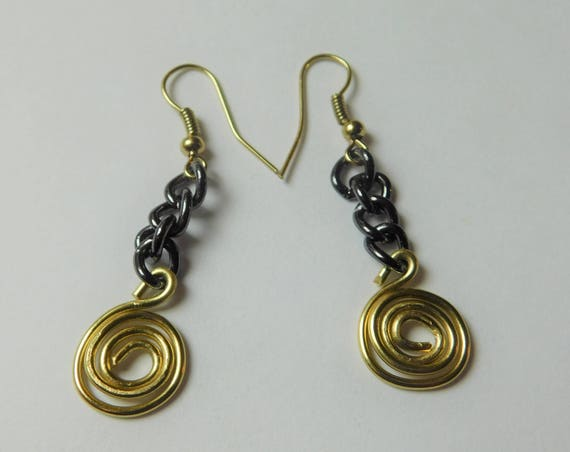 Black and Gold colored Drop Earrings, Dangling Earrings, Handmade Jewelry, Wire Wrapped Jewelry, Swirl Casual Earrings, Custom made, Gift