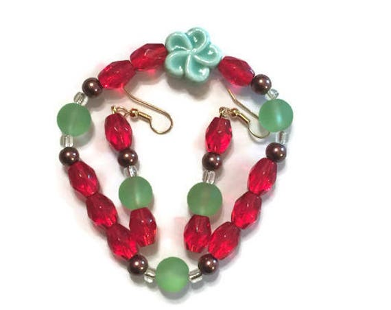 Jade and Red Bracelet and Earring Set, Handmade Jewellery, Dainty Jewelry Set, Ceramic flower bead Bracelet, Gift for her, Gemstone beads