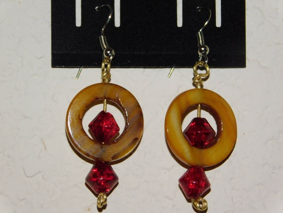 Brown Circle with Red Bead Dangle Earrings, Shell and Glass Earrings, Custom Made Jewelry, Earrings Handmade, Wire Jewellery, Gift for Her