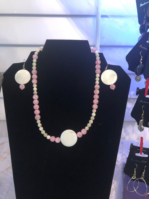White and Pink Necklace and Earring Set, Gemstone Beads, Handmade, Jewelry set, Dangling Earrings, Beautiful gift for her