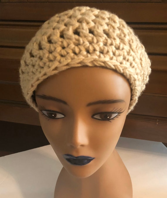 Satin Lined Slouchy Beanie, Chunkie Beret, Handmade Crochet hat, Beige  Beanie,  Medium wool hat, Large Beret, Stylish Winter Hat, Gift