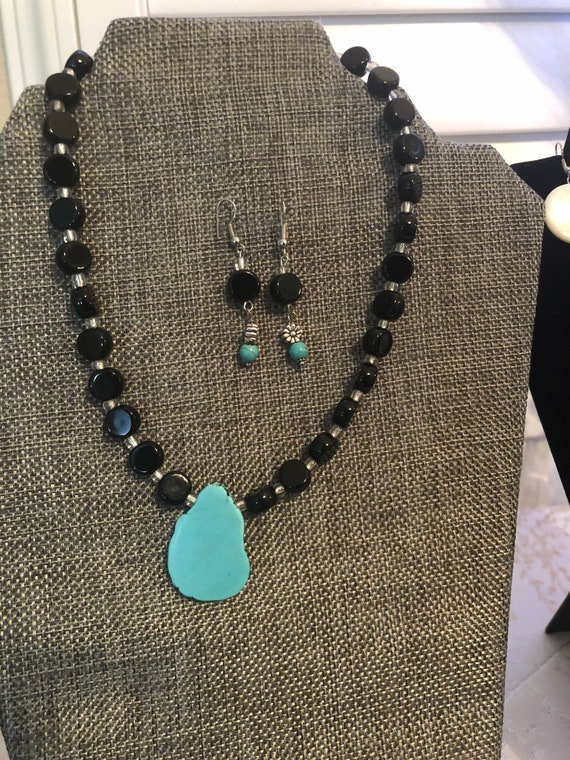 Black Onyx and Turquoise Necklace and Earring Set, Gemstone Beads, Handmade, Jewelry set, Dangling Earrings, Beautiful gift for her