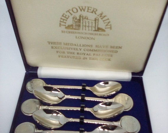 The London Mint Spoons Souvenir, Set of Six of the Royal Palaces Collectibles From the Tower Mint, Royal Collectibles from The London Mint
