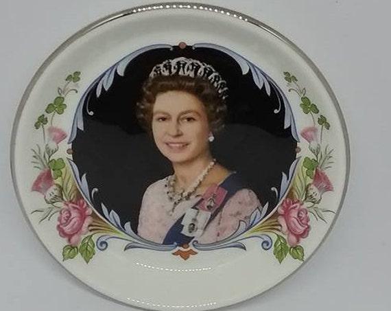 Crown Staffordshire Trinket Dish, Queen Elizabeth Silver Jubilee Dish, 1977 Silver Jubilee Queen Elizabeth, Royal Souvenir Trinket Dish