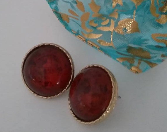 Garnet Red Glass Button Earrings, Vintage Garnet Red Cabochon Earrings, Button Red Garnet Vintage Earrings, #GarnetColor, Cabochon Earrings