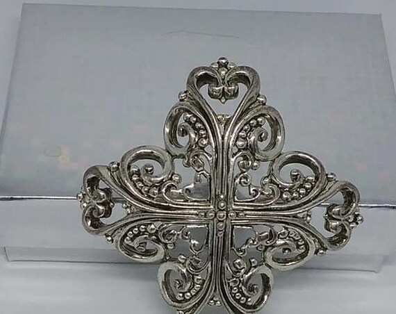 Oscar De La Renta Vintage Brooch