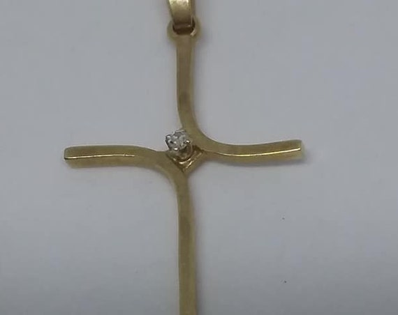 Vintage 10K Yellow Gold Cross with Diamond
