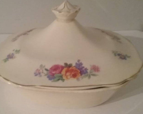"""Mary Stuart by Wedgwood Bowl and Lid, Floral Wedgwood Vegetable Bowl with Lid, 8"""" square Wedgwood bowl and list, Mother's Day Gift"""