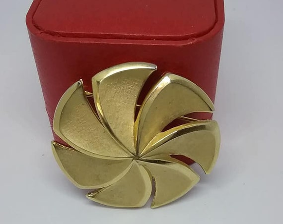 Vintage Trifari Golden Spiral Brooch,