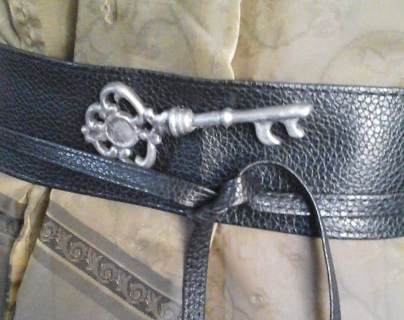 Women's Steampunk Faux Leather Wrap Belt,