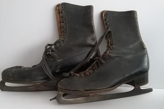 Antique Men's Ice Skates