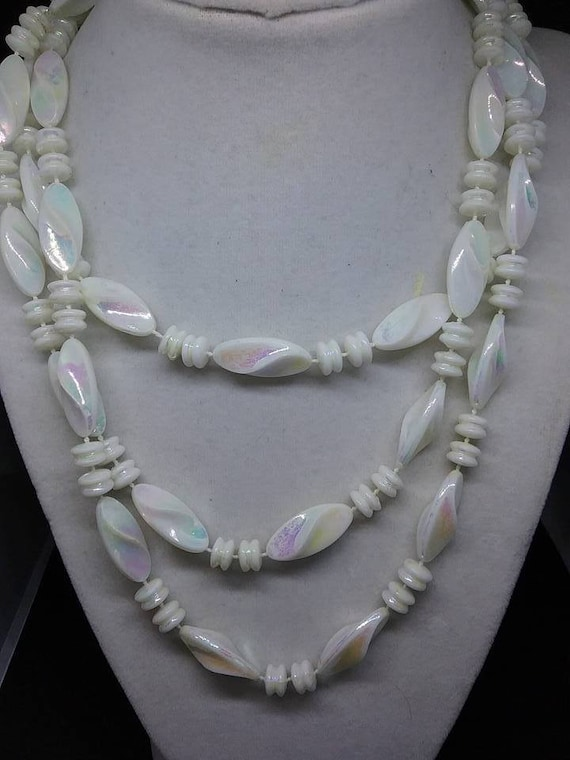 White Acrylic Beads, Roaring 20's style, White Swirl Beaded Necklace, White Acrylic Opalescent Beads, White Opalescent Acrylic Wrap Necklace