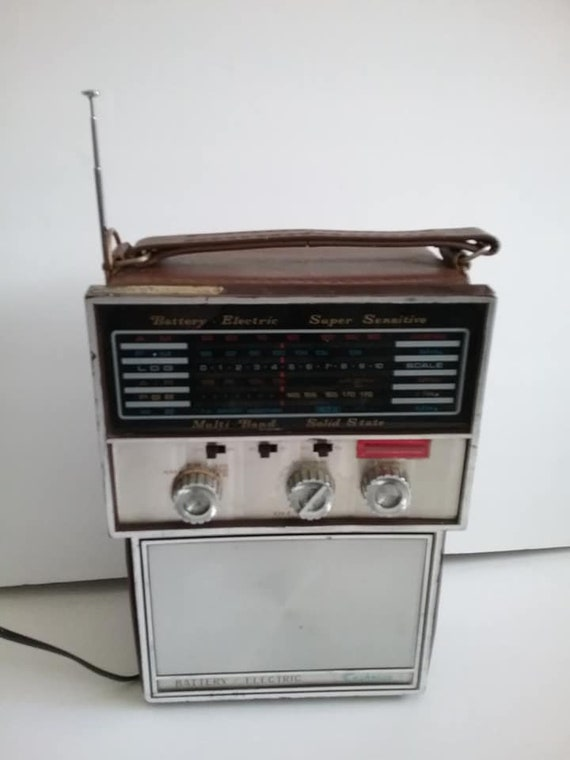 70's Multi-band Radio