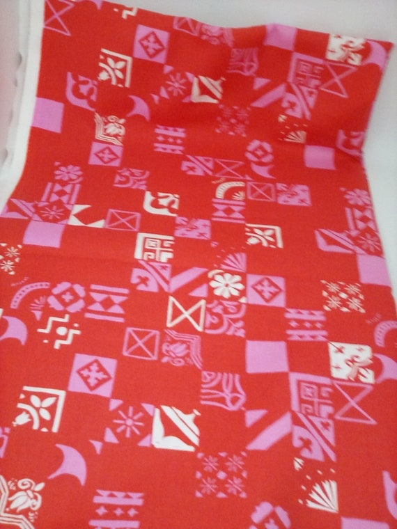 2 Yards Cotton Novelty Fabric, Abstract Print in Red and Pink, Sweetheart Style, Geometric Design