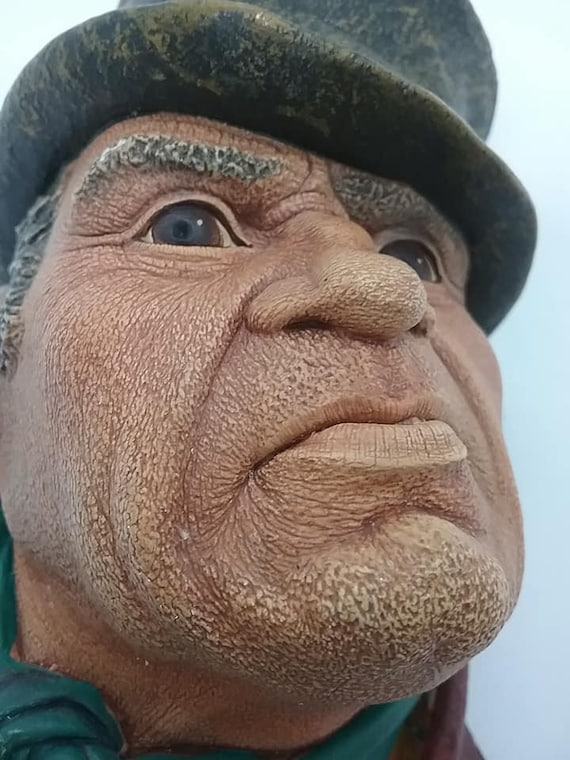 Bosson Head, Bill Sikes, Chalkware Bosson from Dicken's Collection