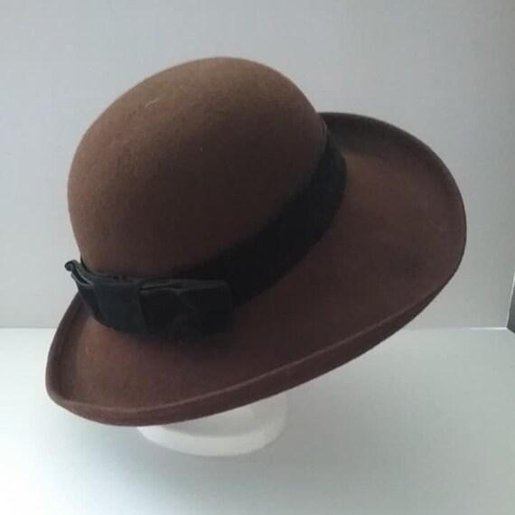 Vintage Women's Breton Style Hat,  Brown Doeskin Felt