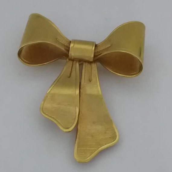 Vintage Avon Gold Bow Brooch, Corsage Holder